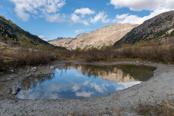 Piz Albris gespiegelt in einem kleinen Bergsee