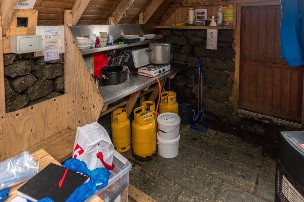 Küche in der Skælingar Hütte