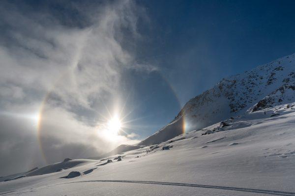 Halo über dem Skigebiet