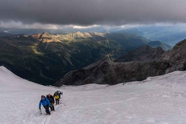 Aufstieg über den Gletscher