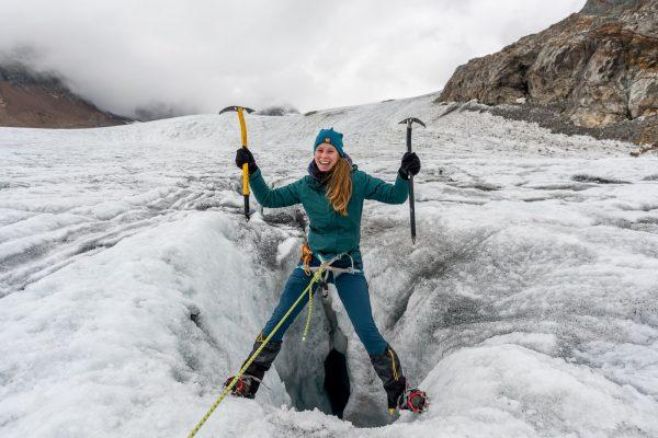 Jolanda am Eisklettern