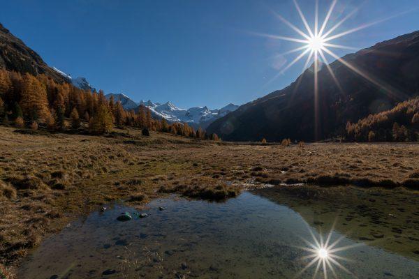 Val Roseg bei strahlend blauem Himmel