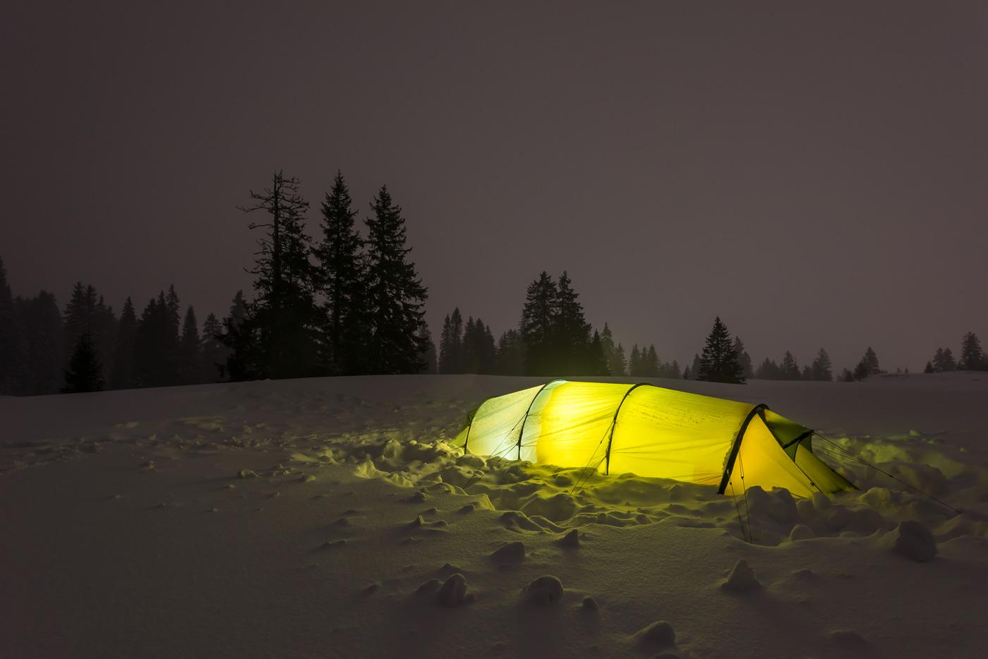 Zeltplatz bei Nacht
