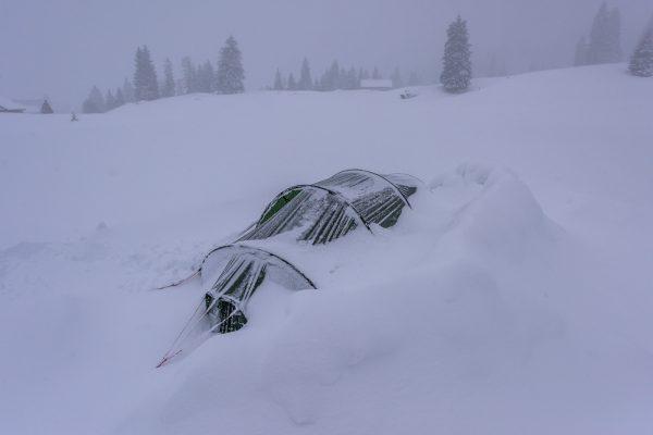 Schneemauer als Windschutz