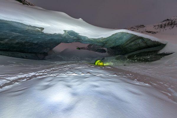 Nacht unter dem Eis