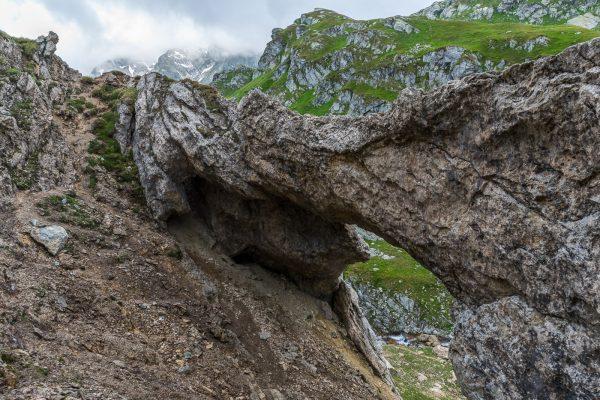 Steinbogen in der Greina