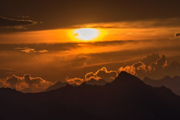 Sonnenuntergang über dem Adula Gebiet