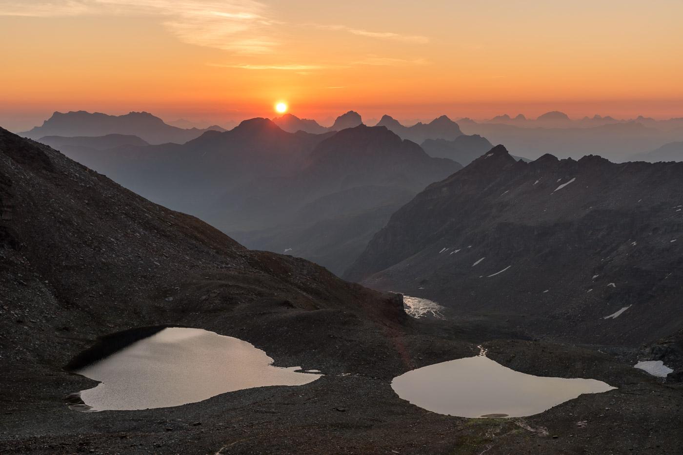 Sonnenaufgang über den Fanellseen