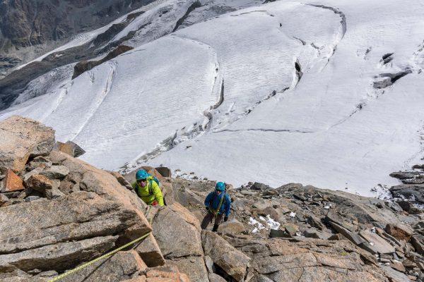 Abstieg durch die Felsen