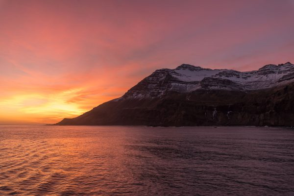 Sonnenaufgang vor Island