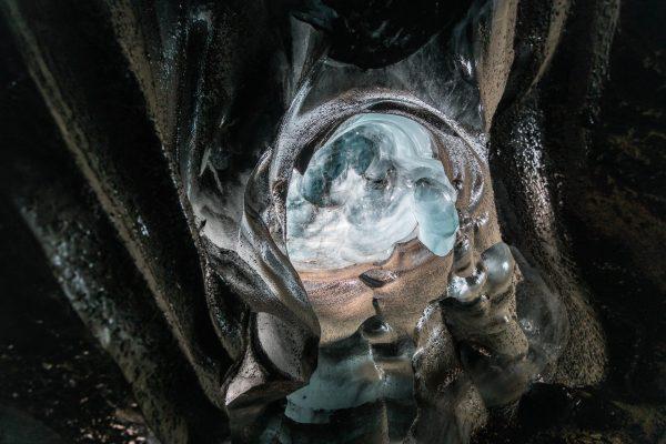 Eiskuppel in der Gletscherhöhle