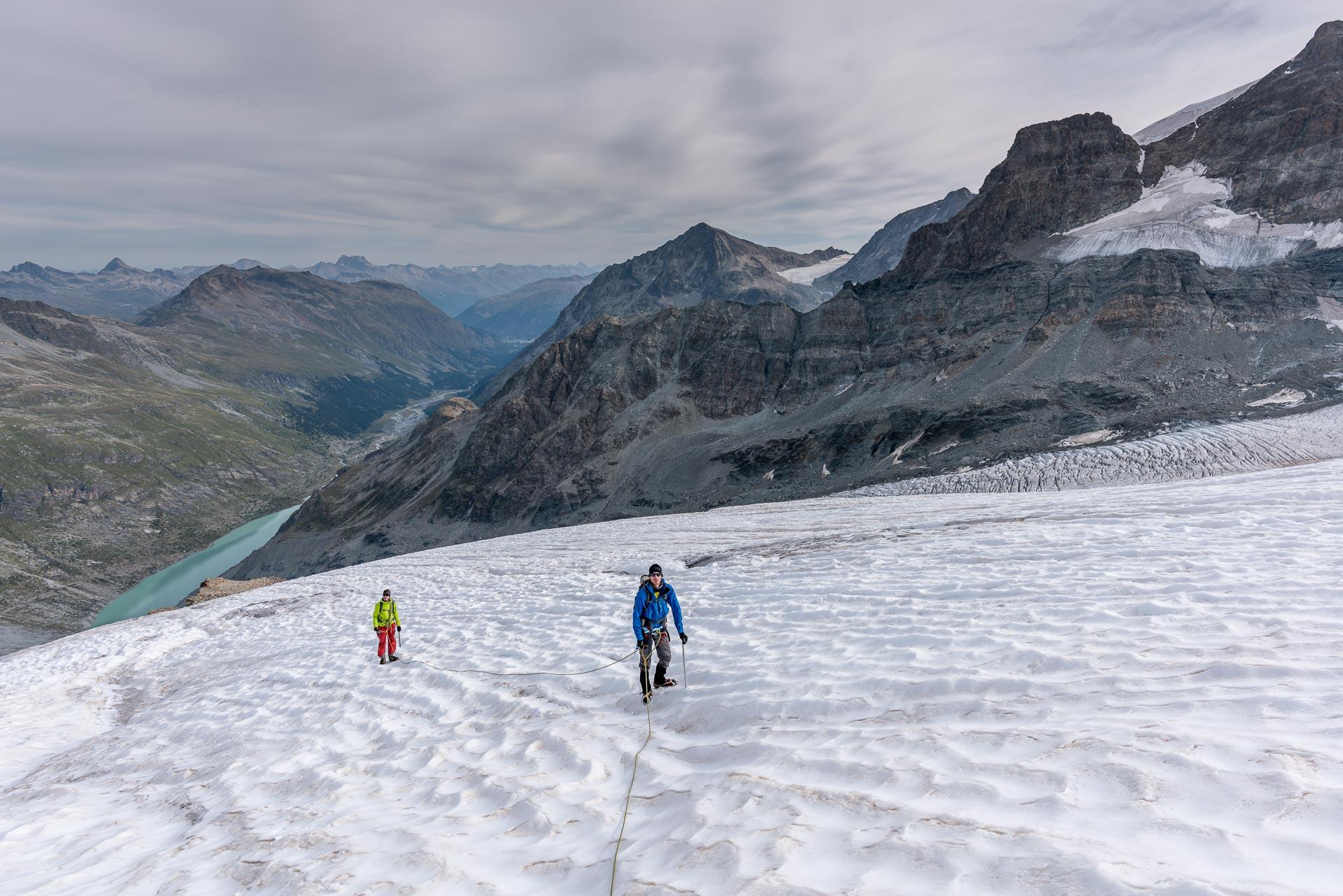 Aufstieg über den flacheren Gletscher