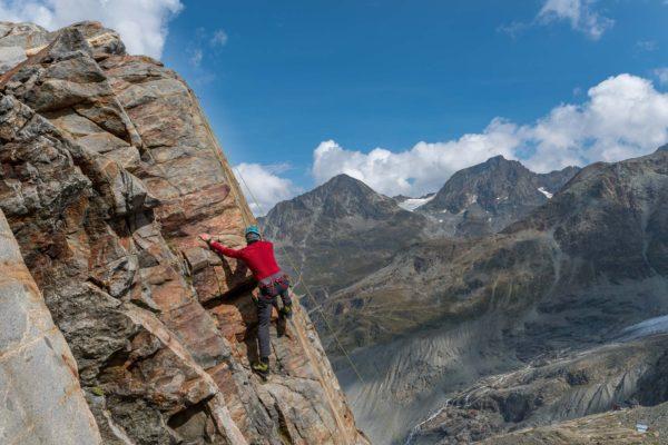 Seraphin am Klettern