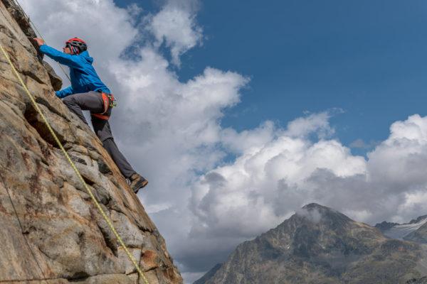 Klettern mit dem Piz Tschierva im Hintergrund