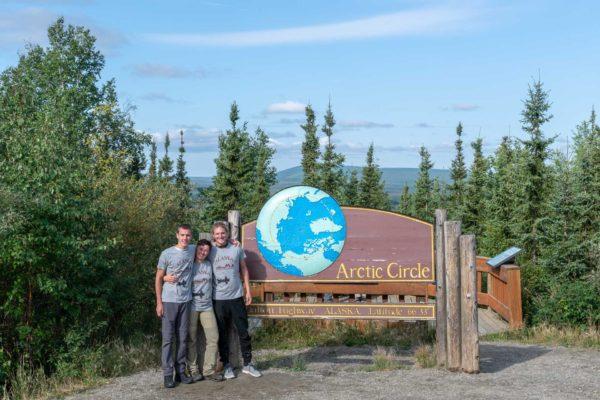 Samuel, Rebecca und Johann am Arctic Circle