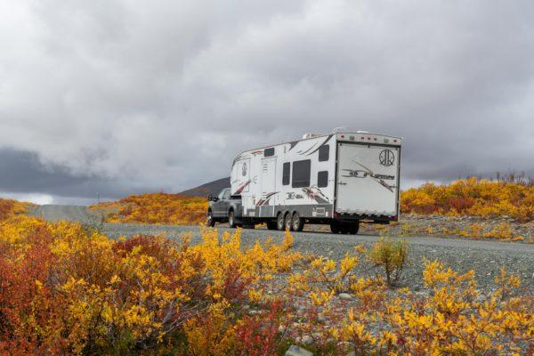 Normaler Wohnwagen in Alaska