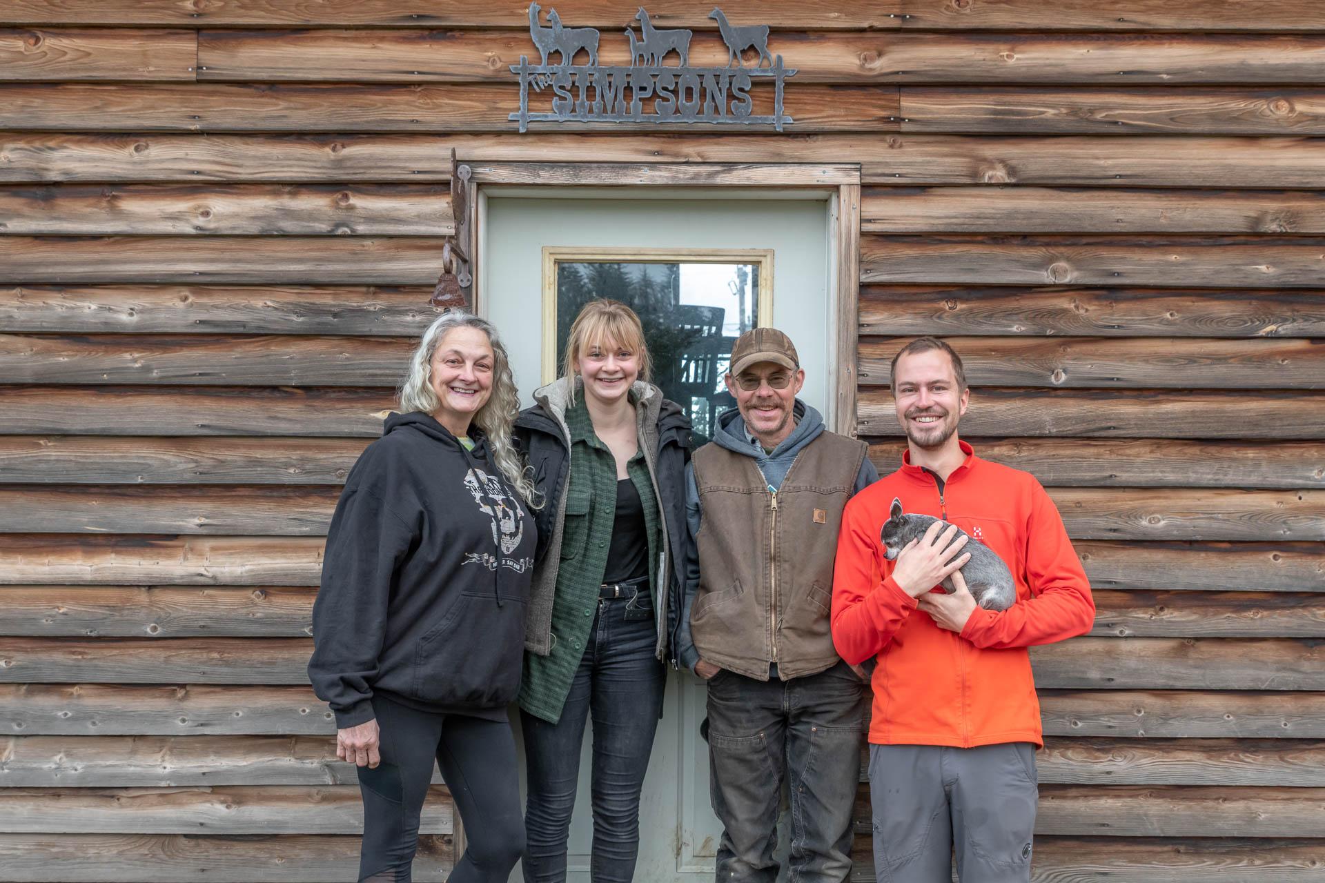 Kathy, Pia, Greg und Elias mit Nellie Juan